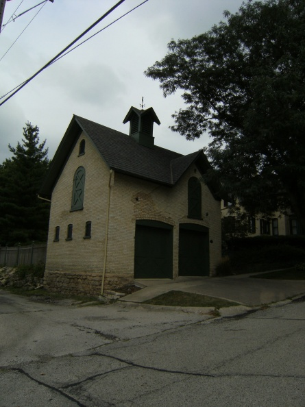 The Rockford carriage house for horse drawn carriages from the late 1800_s era.JPG
